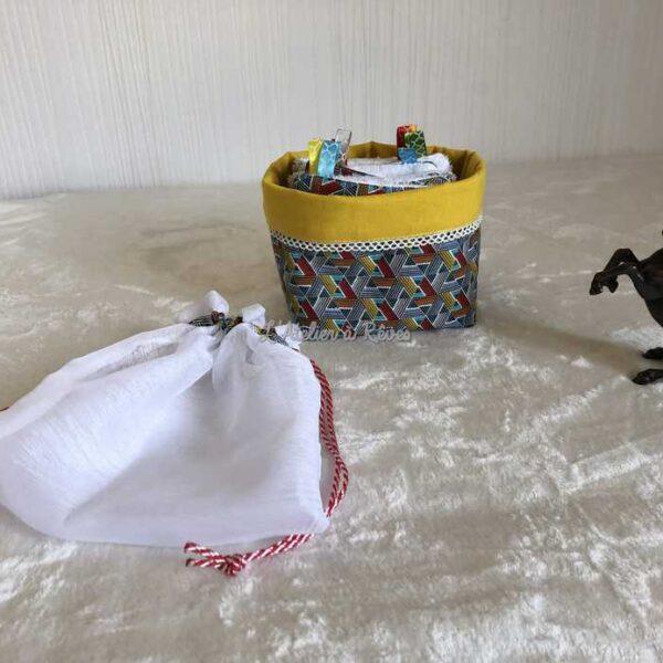Petit panier avec 12 lingettes lavables et un filet de lavage (jaune)