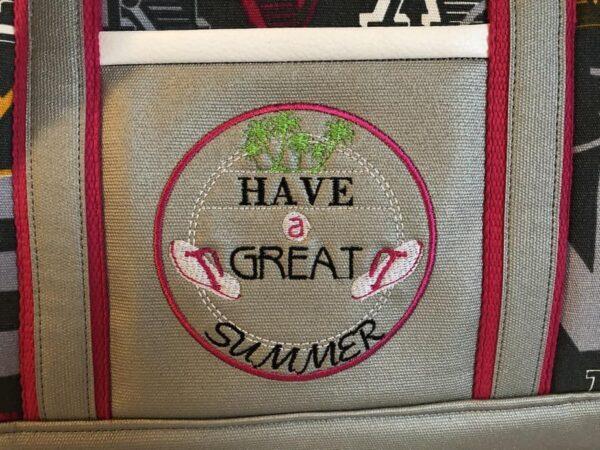 sac de voyage boston rose détail broderie have a great summer