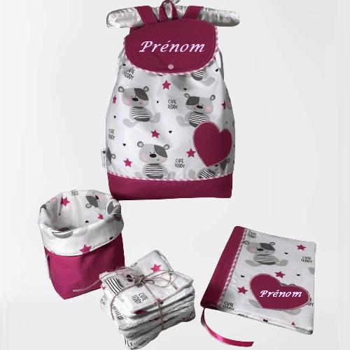 Petit sac à dos et accessoires pour bébé